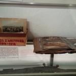 Museum zum Entdecken und Anfassen. Fotoalben und -kisten zum 1. Weltkrieg.