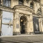 Der Haupteingang in das Museum.