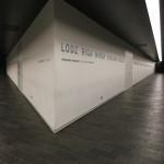 """Der Libeskindbau """"Between the Lines"""" ist geprägt von dunklen und hellen Flächen sowie scharfen Kanten."""